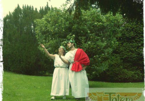 Dos griegos en nuestra fiesta temática